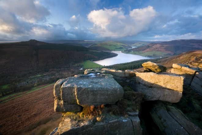 Bamford Edge, Great Tor to Ladybower and Win Hill